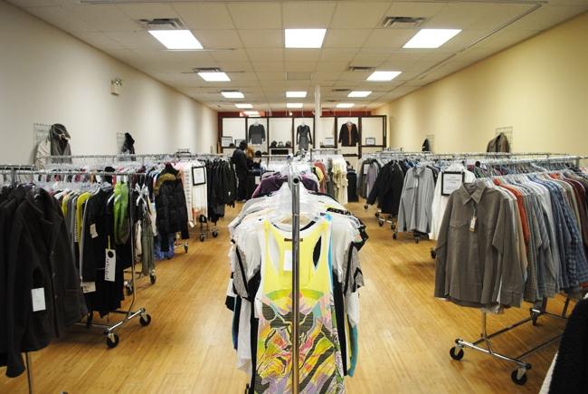 0fc143972c40 Как открыть магазин стоковой одежды. Где закупают товар интернет ...