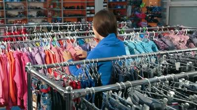 a2d28cd8bbf Как открыть магазин стоковой одежды. Где закупают товар интернет ...