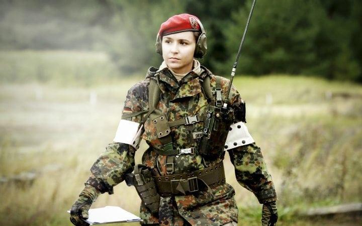 Немецкая девушка в армии