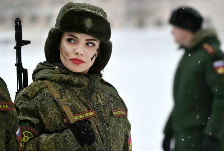 Русская девушка пограничник