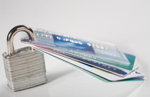 Как расторгнуть договор с банком по кредиту быстро?