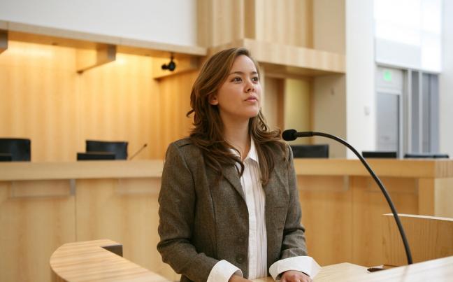 как себя вести в суде