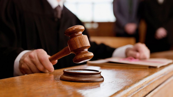 как вести в суде ответчику
