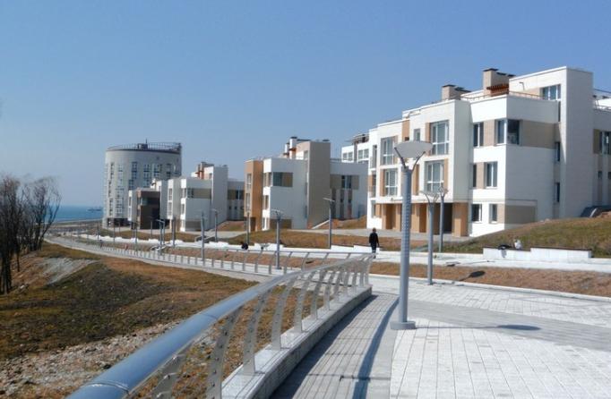 Когда заканчивается приватизация квартир в России?</p> <p> Когда заканчивается бесплатная жилья?»></div> Впервые бесплатно приватизировать недвижимость стало возможным в 1991 году. Далее срок продлевали до 2007 года. Планировалось, что в России закончится бесплатная недвижимости именно в 2007 году.</p> <p> <br><h2><span id=