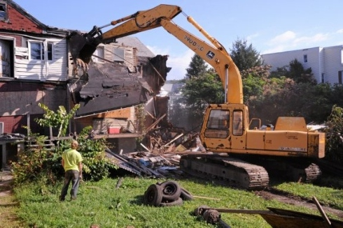 Ветхое и аварийное жилье. Программа переселения из аварийного жилья