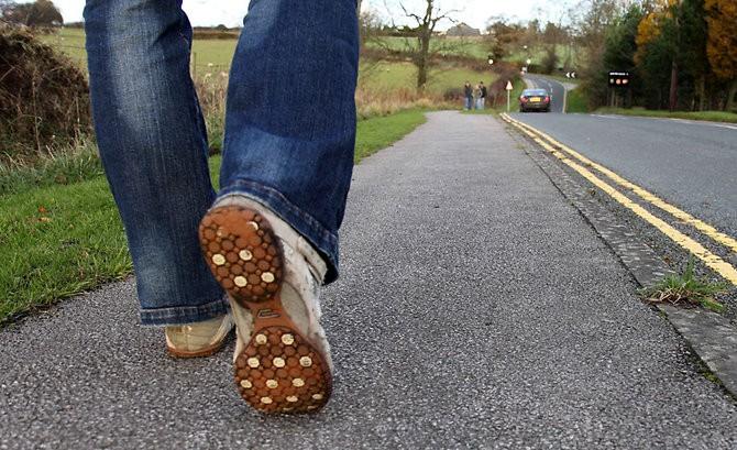 В 17 лет до скольки можно гулять на улице