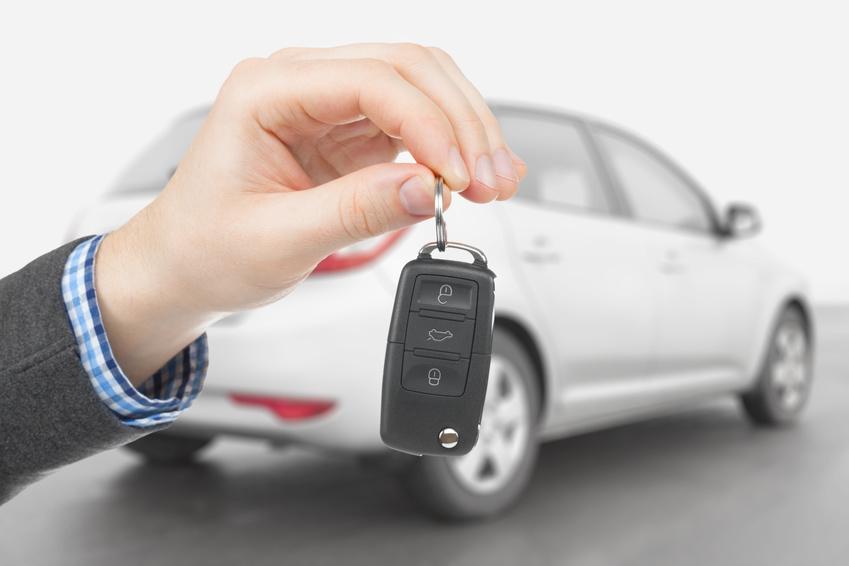 Машину продал, а штрафы приходят: что делать и куда обращаться?
