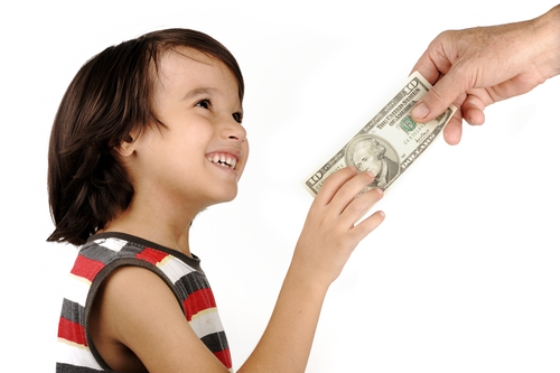 Отказаться от ребенка и не платить алименты