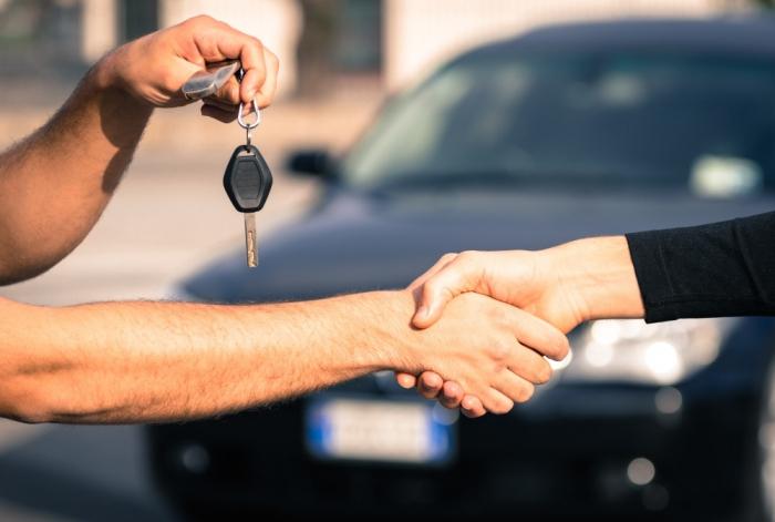 как продать кредитную машину