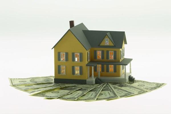 Покупка квартиры с прописанным человеком: особенности, документы и рекомендации