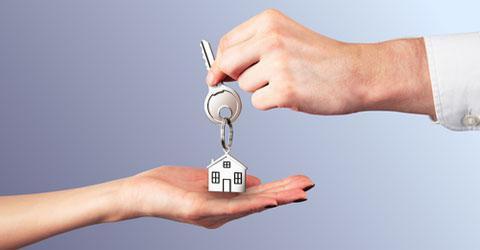 можно ли продать или обменять неприватизированную квартиру