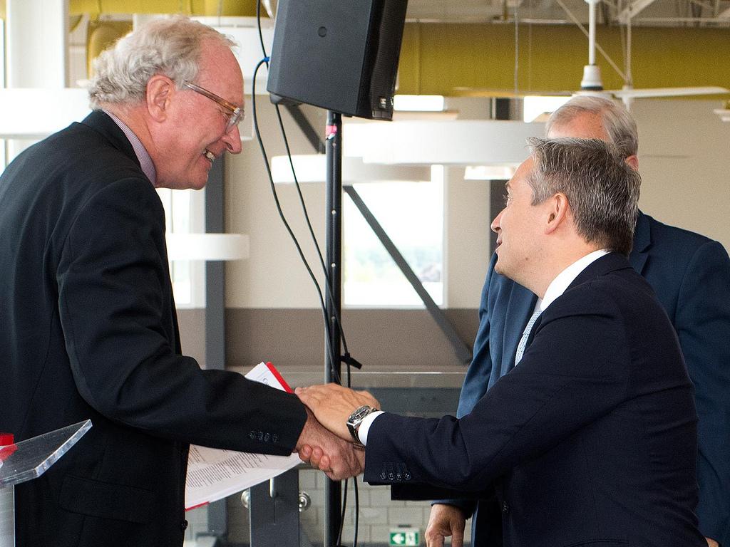 двусторонней сделкой является договор