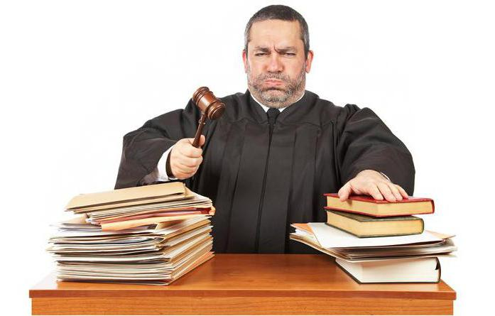 Могут ли коллекторы подать в суд: закон, права и особенности