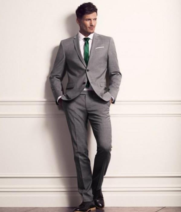 Где можно купить мужские костюмы недорого в Москве?