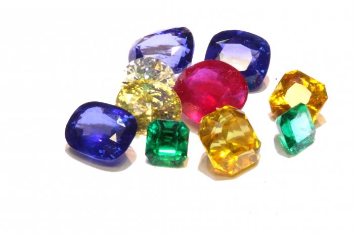 Самый дорогой камень. Ювелирные украшения с камнями    BusinessMan.ru c84e3d3240c