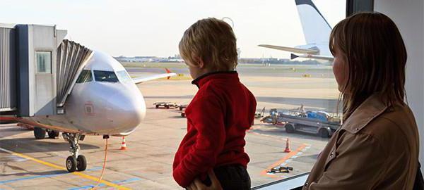 Вывоз детей за границу без разрешения отца: возможно ли это? Особенности процедуры, необходимые документы