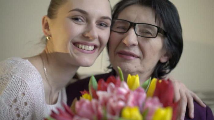 Как заработать на пенсии женщине? Идеи и способы