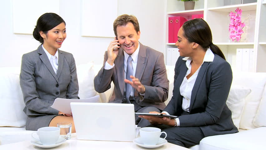Что делает менеджер по рекламе? Должностные обязанности