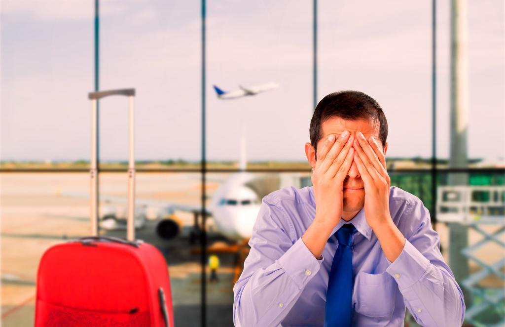 Задержка рейса: что положено пассажирам по закону?