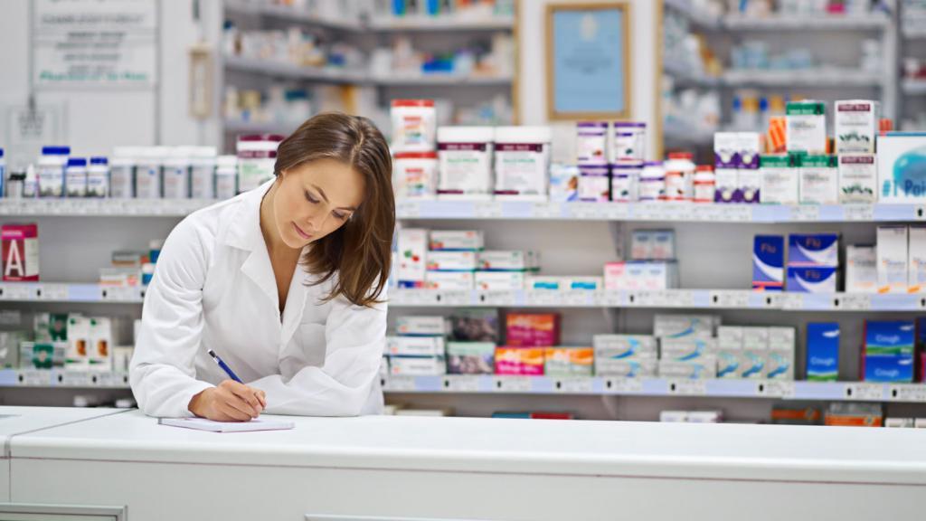 Кто и как получает льготные лекарства