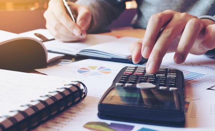Кто долден рассчитывать проценты за пользование чужими денежными средствами после принятия решения