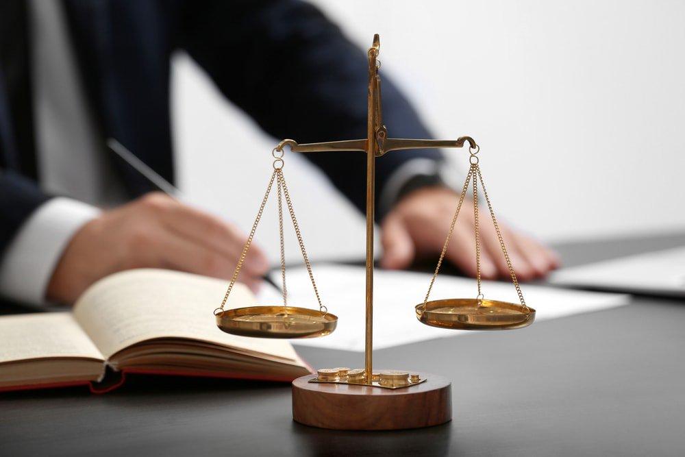 Восстановление при незаконном увольнении