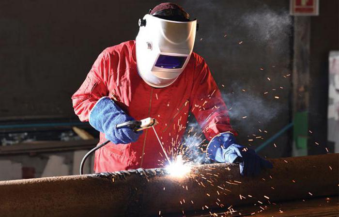 Слесарь по сборке металлоконструкций: должностная инструкция и особенности работы