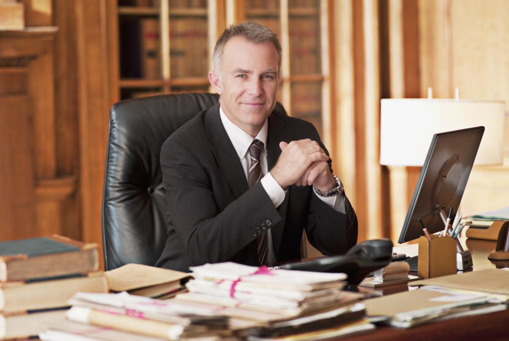 Прекращение и приостановление статуса адвоката