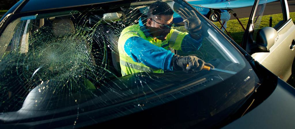 Замена лобового стекла по КАСКО: условия и сроки