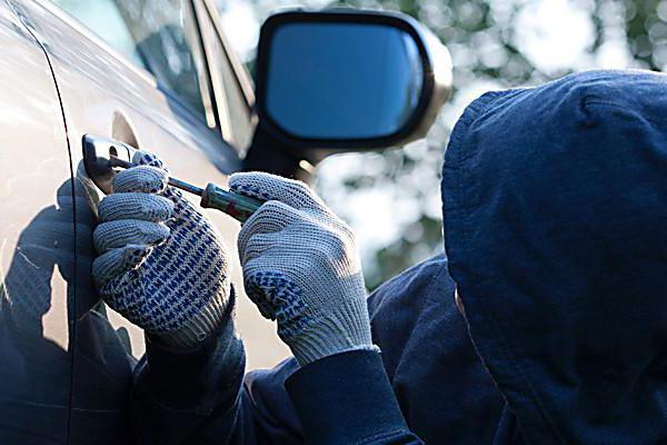 Если угнали автомобиль: что делать, куда звонить, как искать? Вызов ГИБДД