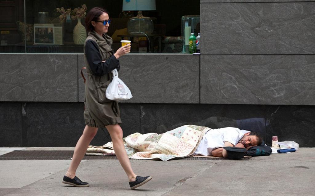 Что делать, если жить негде и денег нет?