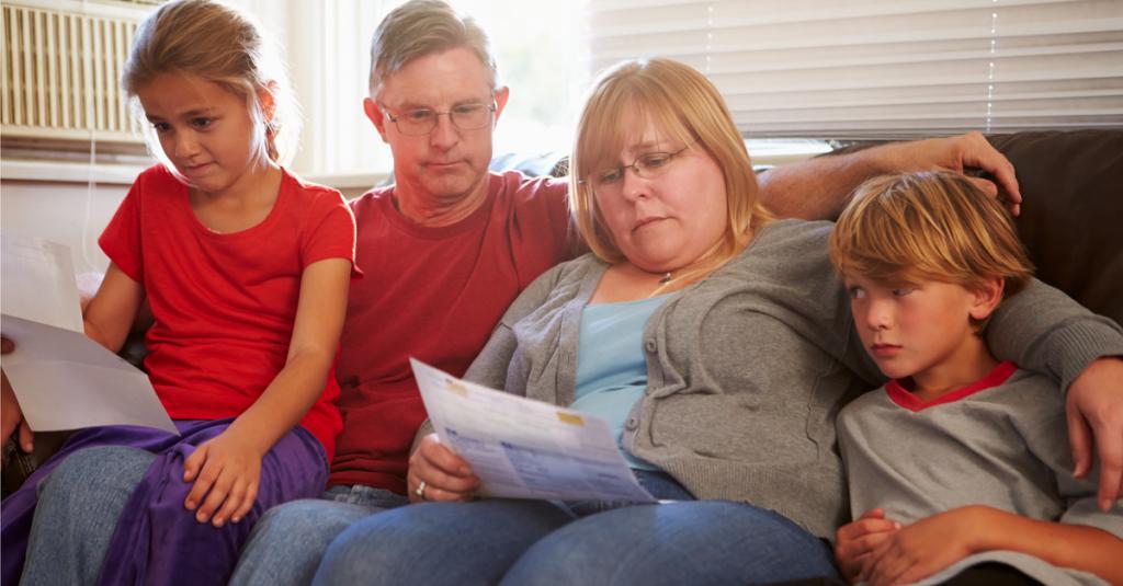 Семья думает