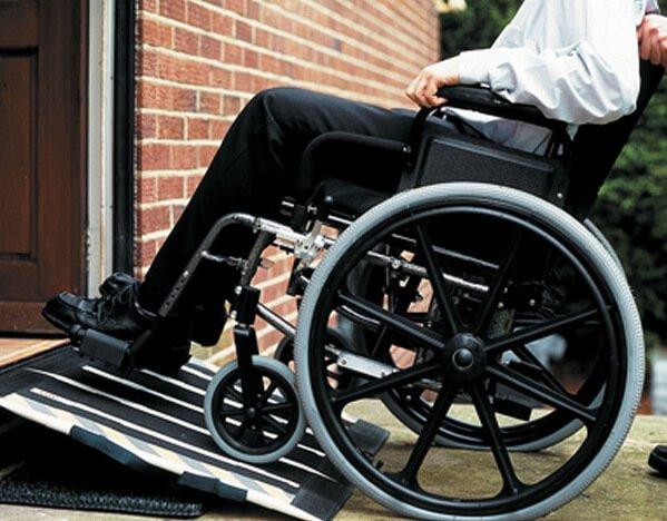 ограждение пандуса для инвалидов нормы