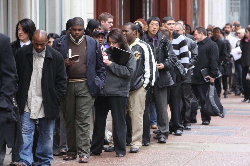 Массовое увольнение рабочих: критерии, причины, процедура