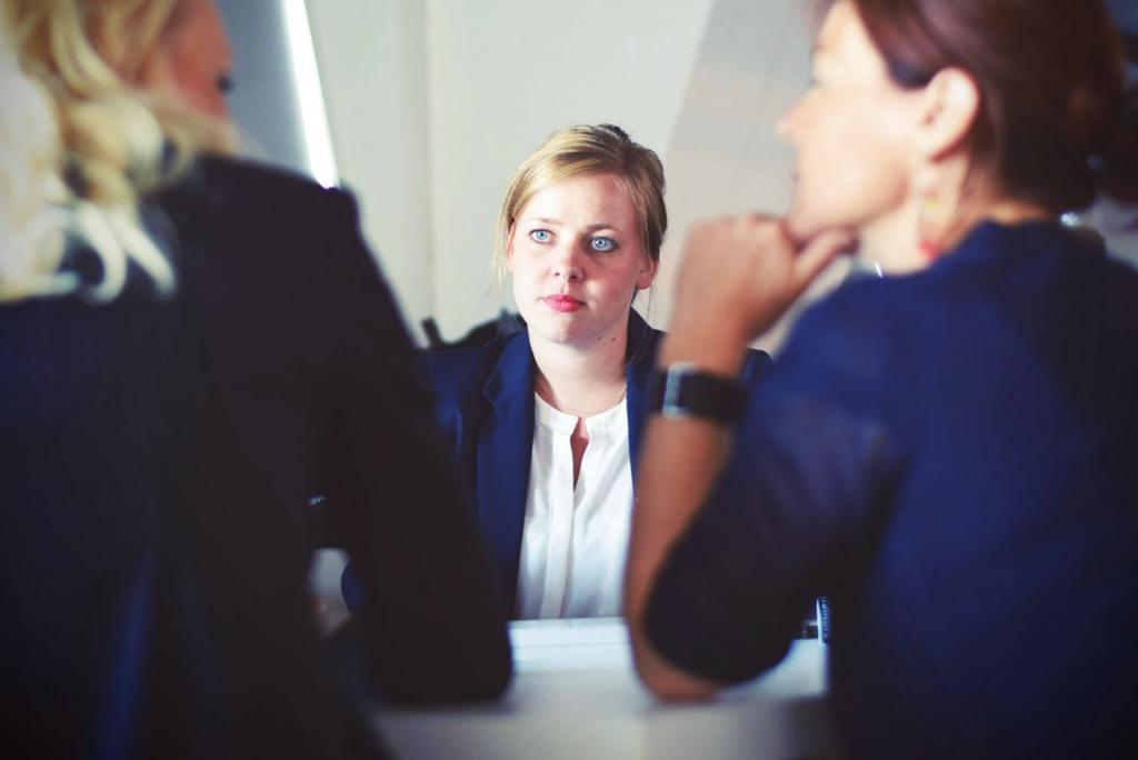 Беременность и срочный трудовой договор: выплаты, дотации, увольнение