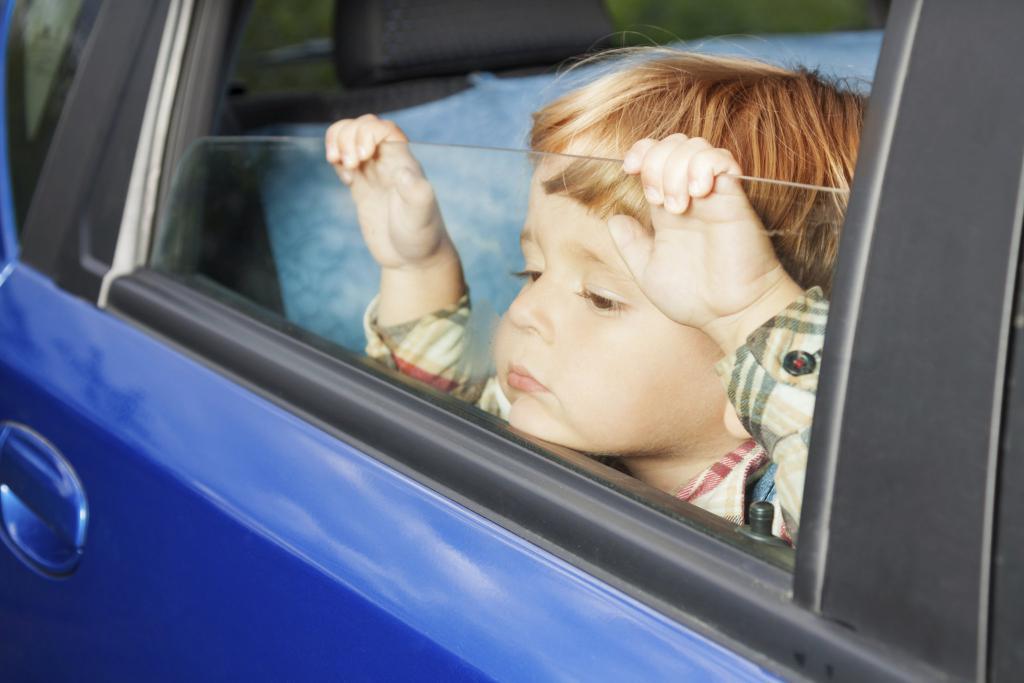 можно оформить машину на несовершеннолетнего ребенка