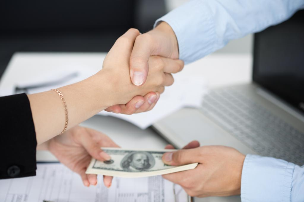 сотрудник выдал беспроцентный займ организации ренессанс кредит иваново