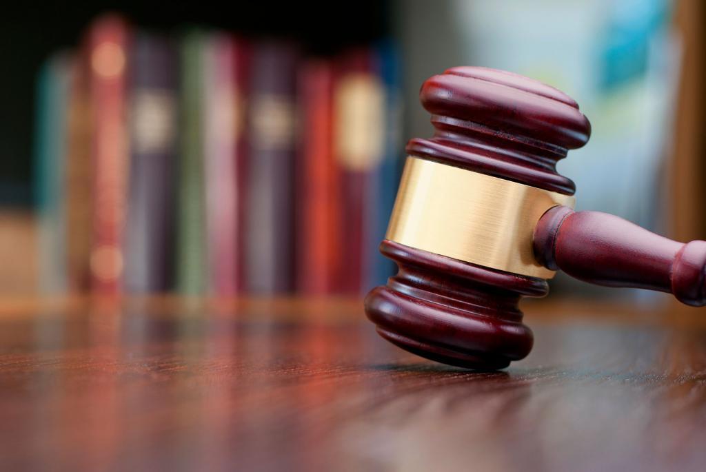 Арест автомобиля судебными приставами: процедура наложение и снятия