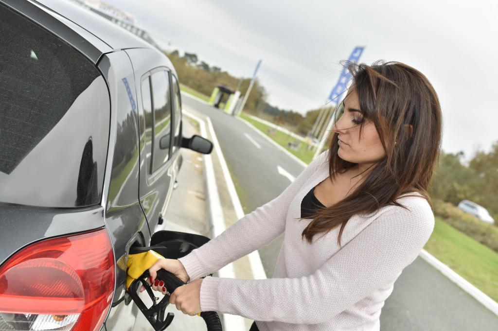 Налоговое уведомление на транспортный налог: что делать и как оплатить?