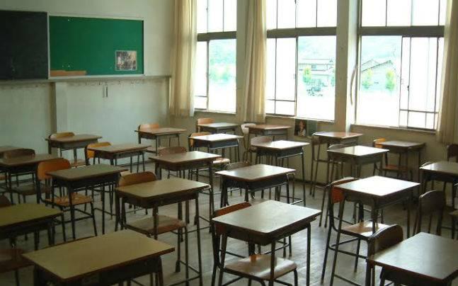Наполняемость каждого класса не должна превышать какого количества учащихся?