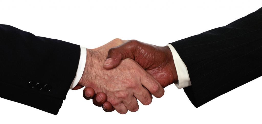 Рукопожатие мужчин