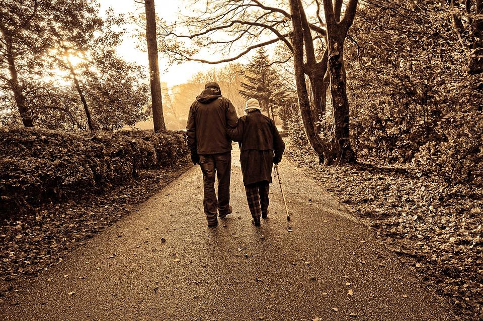 Как оформить инвалидность лежачему больному пенсионеру: порядок действий и сбор документов