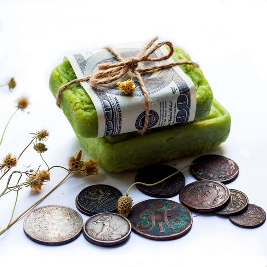 Картинки по запросу Положите кусок мыла к деньгам так, чтобы оно лежало между двумя купюрами