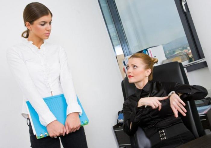 Невербальные сигналы, говорящие о том, что сотрудник собирается уйти