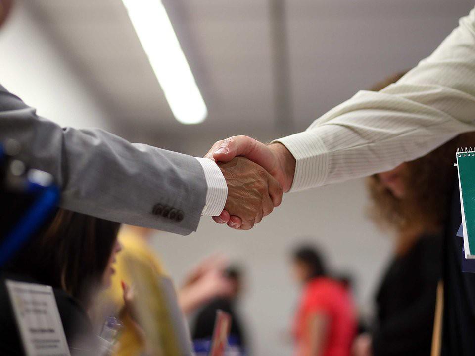 Как завоевать уважение и доверие начальника? Простые способы сделать карьеру