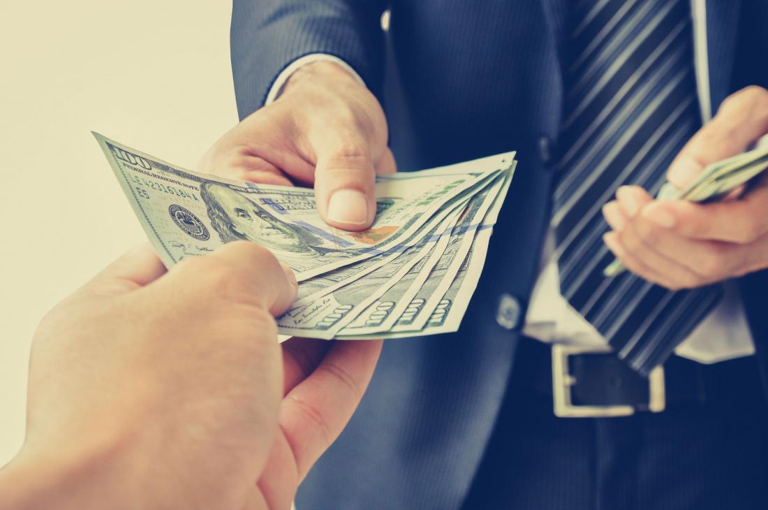 Стоит ли давать деньги в долг друзьям
