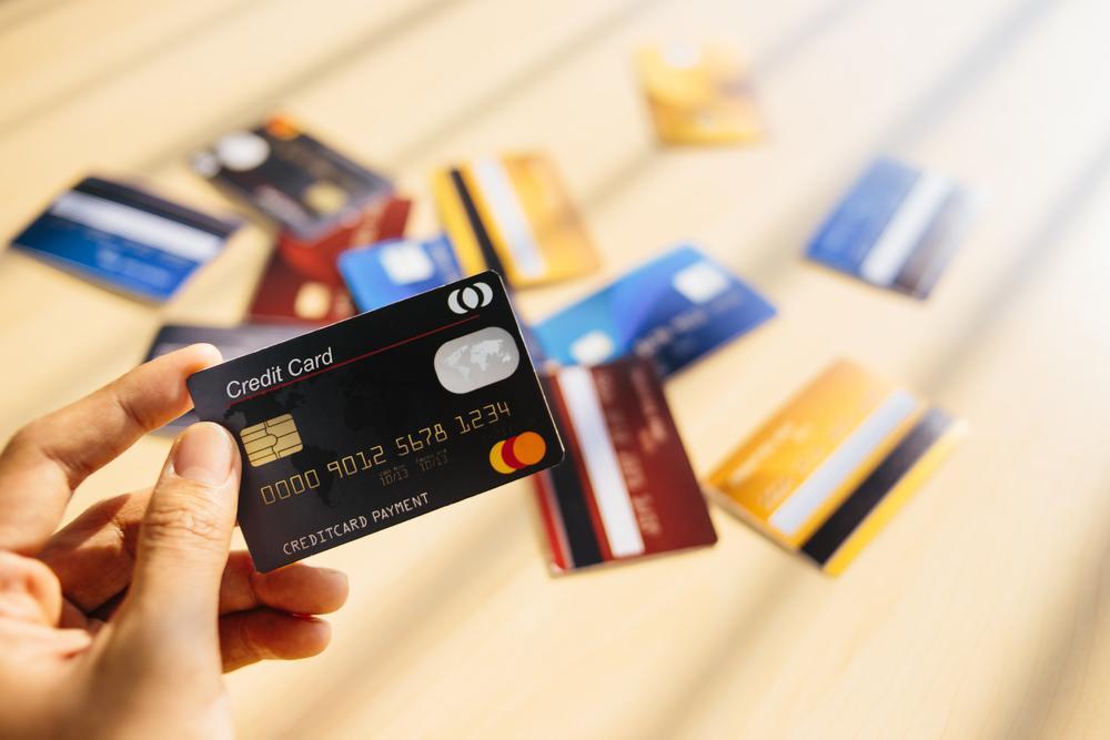 Проблема дороговизны кредитов имеют ли право судебные приставы списывать деньги со счета в минус