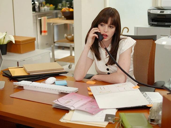 О чем говорит беспорядок на рабочем столе и стоит ли с ним бороться